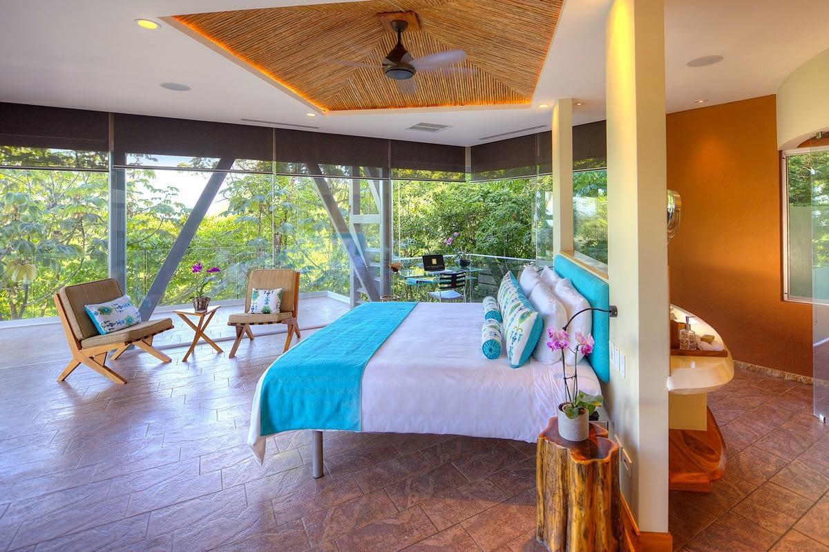 Luxurious Villa Suites in Costa Rica Mansion