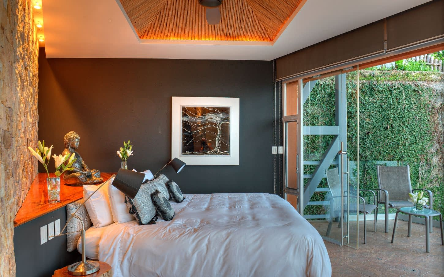 yin and yang room luxury villa suite