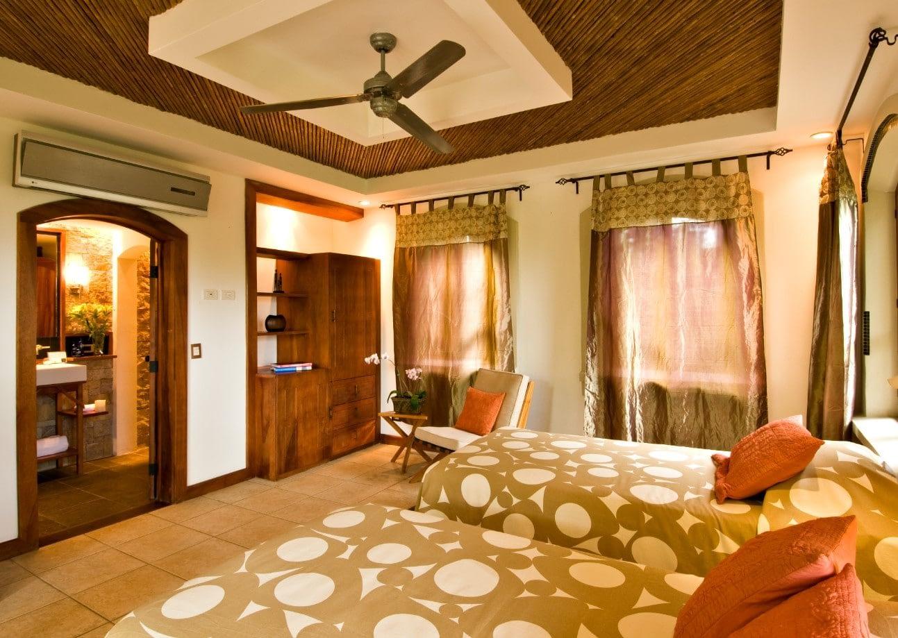 Guest Cottage (Undersea Room)
