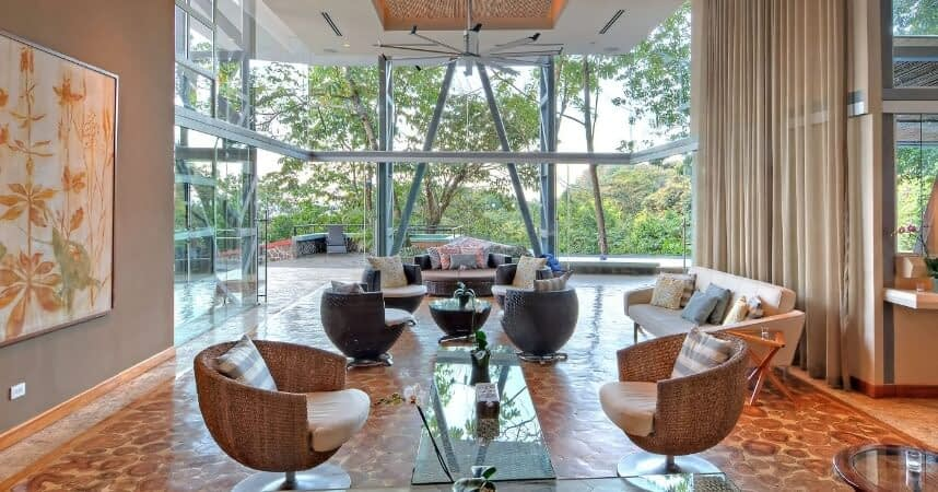 living-ball-room