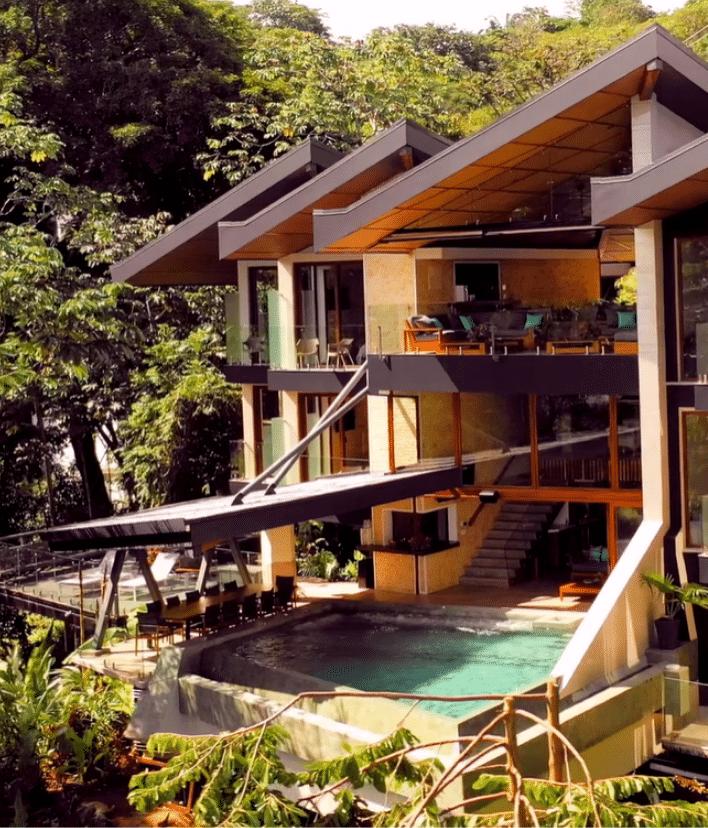 Pura Vida at Villa La Isla