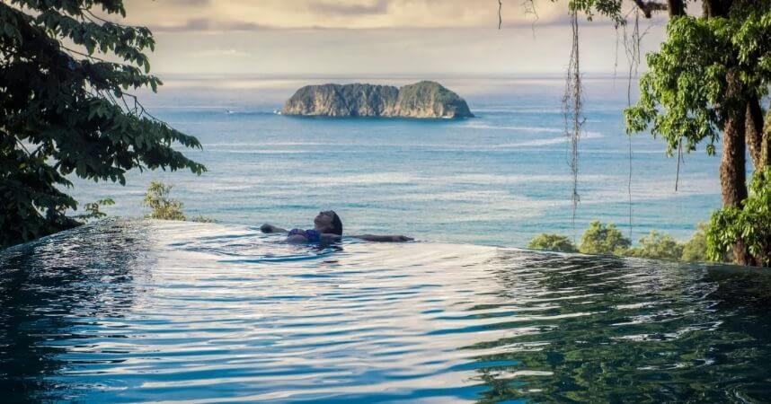 isla-infinity-edge-pool