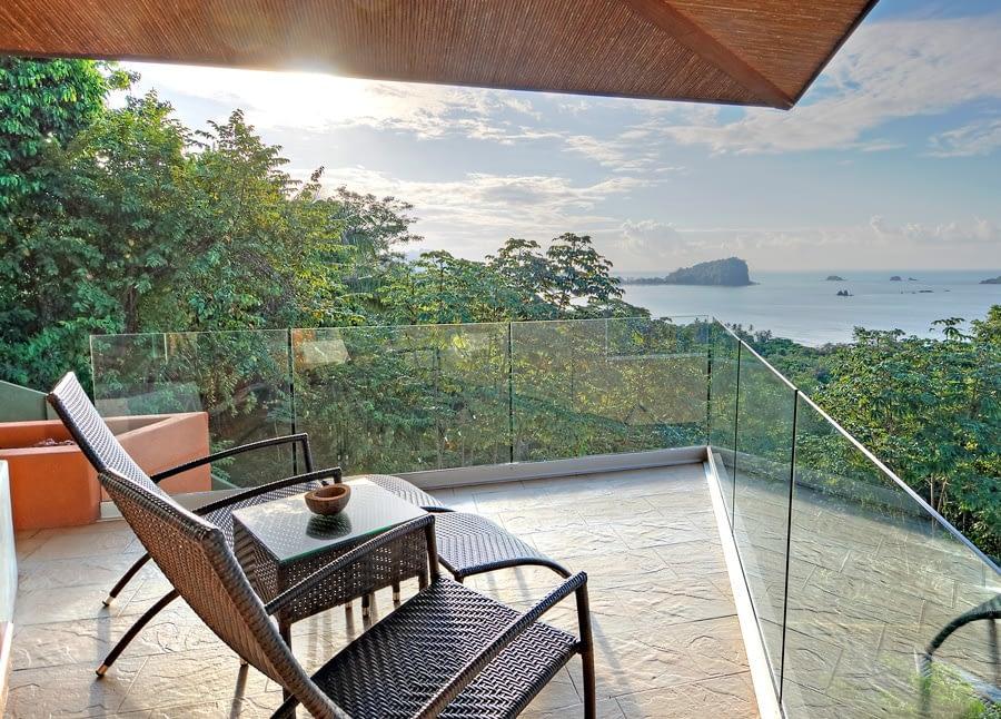 villa punto de vista blue room facing the ocean