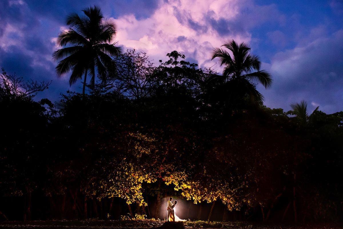 rainforest-photo-bride-groom